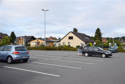 Ottostr. 1/E-center/nh. Einfahrt -Raiffeisenstr (rts), 38518,