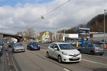 Hagener Str. 42 /Lidl/neb. Einfahrt/WE rts (City-Star), 57072, Siegen