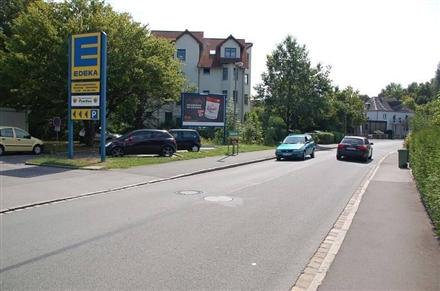 Postweg 1 /Edeka/Einfahrt (quer zur Str), 96450,