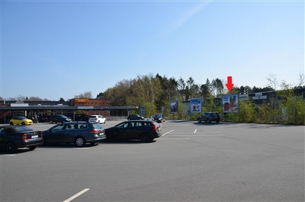 Kisdorfer Weg 13 /Famila/rts vom Eingang (Sto. 4), 24568,