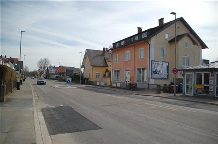 Donauwörtherstr. 8 (quer am Giebel), 89407,