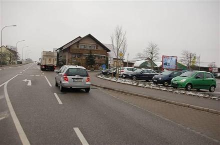 Schaffhauser Str. 90 /Kaufland/Einfahrt/lks (Sicht Markt), 79713,