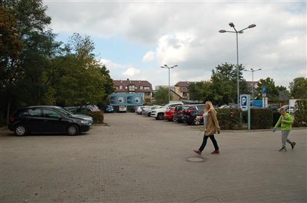Berliner Str. 119 /Edeka im Südcenter/geg. Eingang (lks), 16515,