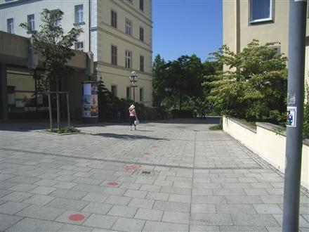 Martin-Luther-Straße, Hypo-Vereinsbank, 97688,