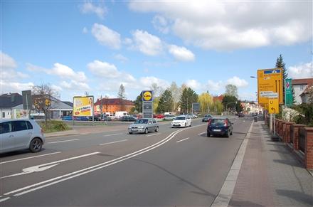 Lobstädter Str. 17/B 93 /Lidl/Einfahrt/Sicht AOK/rts (quer), 04552,