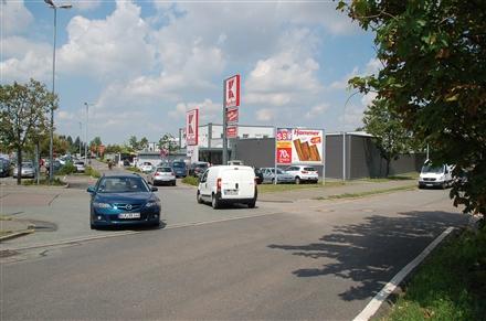 Schwarzer Weg 40 /Kaufland/Einfahrt (rts), 06712,