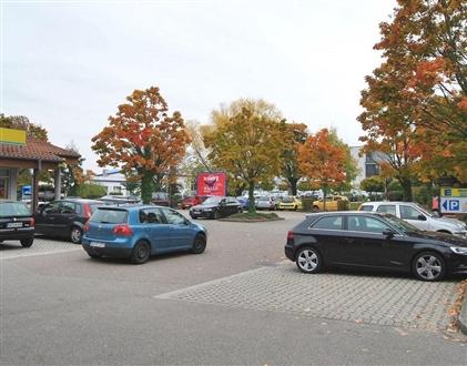 Nussbacher Str  37 (EDEKA gg.Eing.), 77704, Zusenhofen