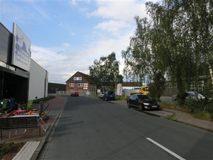 Siemensstr. 2  / Opelstr., 30916, Altwarmbuechen