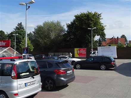Lohner Weg 1  / (PP) li., 30916,
