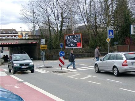Schwanheimer Str. 26  / Dammstr. quer, 64625, Innenstadt