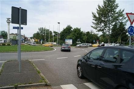 Dueviller Platz  / Winnender Str., 73614,