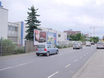 Friedrich-Schäfer-Str. 7 an Mauer li., 64331,