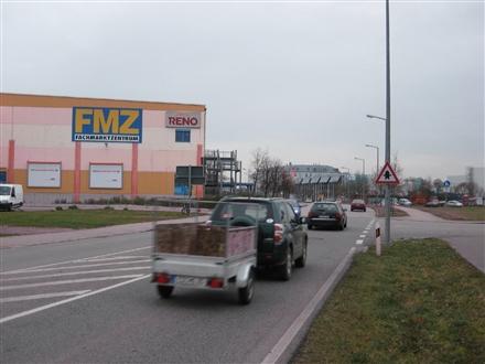 Raiffeisenstr. 25 /Einfahrt FMZ/Kaufland, 85356, Attaching