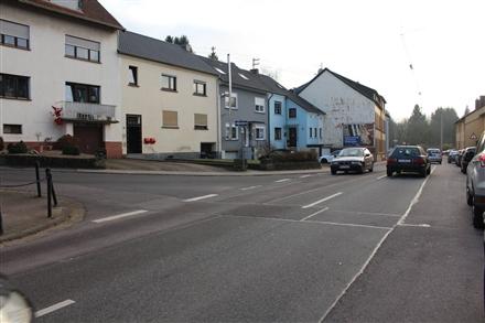 Bahnhofstr. 33  quer an Giebelwand, 66346,