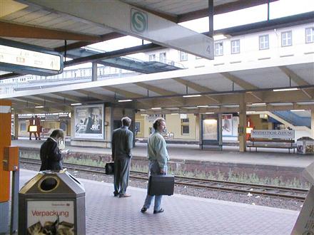 Hbf, Bstg., Gleis 3,1. Standort, 42103, Elberfeld