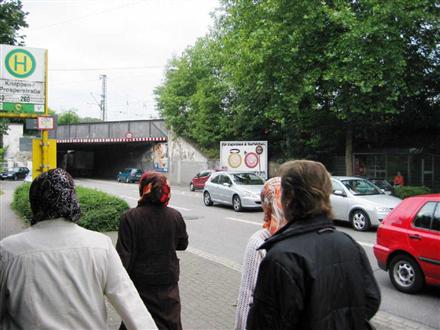Prosperstr. geg. 235/Ri. Zentrum/Stützmauer re., 46238, Batenbrock Süd