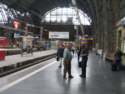 Hbf, Zwi.-Bstg., Gleis 1, Abschnitt A, 2. Sto., 60329, Bahnhofsviertel