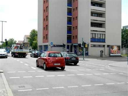 Landshuter Str./Prinz-Rupprecht-Str. 1 re. quer, 93053, Kasernenviertel