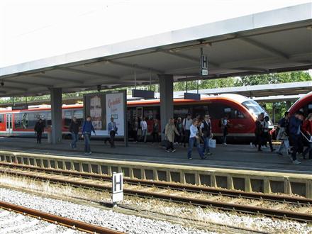 Hbf, Bstg., Gleis 3,1. Standort, 38102, Mitte